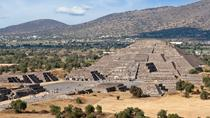 Teotihuacan Pyramids Day Trip with Archeologist, Mexico City, Private Sightseeing Tours