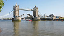 Historische London Tour mit spanischsprachigem Guide: Tower of London und Themse Sightseeing Cruise, London, Halbtägige Touren