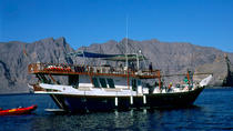 SUNDOWNER CRUISE DHOW CRUISE 02 hrs, Muscat, Dhow Cruises