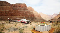 Viator VIP: Solnedgangstur med helikopter over Grand Canyon inklusive middag, Las Vegas, Viator VIP Tours