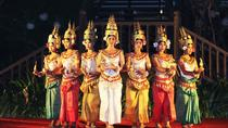 Apsara Dance Performance Including Buffet Dinner and Hotel Pickup, Siem Reap