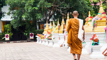 Am Vormittag buddhistische Almosengeben und Tempeltour in Chiang Mai, Chiang Mai, Cultural Tours
