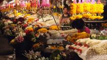 Chiang Mai by Night: Private Tour including Buddhist Chant, Thai Dinner and Night Market, Chiang Mai