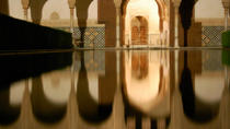 Guided Night Alhambra Tour with Nazrid Palaces, Granada