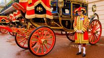 Royal Mews with Changing the Guard and Tea, London, Cultural Tours