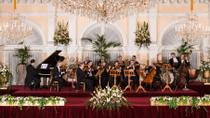 Kursalon Vienna: Johann Strauss and Mozart Christmas Concert with Optional Gala Dinner, Wien