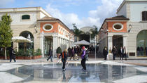 Tour di shopping presso La Reggia Outlet, Sorrento, Tour per shopping
