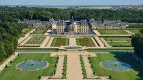Chateau de Vaux-le-Vicomte Tour with Champagne and Luxury Car Transport, Paris, Once in a Lifetime ...