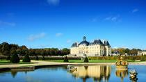 Chateau de Vaux-le-Vicomte Tour with Champagne and Luxury Car Transport, Paris, Helicopter Tours