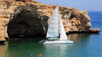 Luxury Catamaran Sail and Snorkel from Muscat, Muscat, Day Cruises