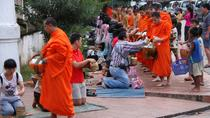 Morning Almsgiving and Market Tour in Luang Prabang, Luang Prabang, Half-day Tours