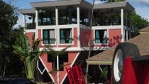 Eintritt in das Upside Down House, Phuket, Phuket, Kid Friendly Tours & Activities
