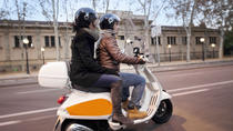 Tour serale per piccoli gruppi a Barcellona in Vespa, Barcellona, Tour in vespa, scooter e ...