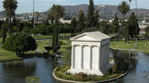 Spaziergang durch den Hollywood Forever Cemetery, Los Angeles, Ghost & Vampire Tours