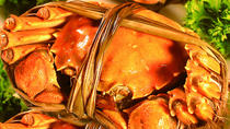 Private Hairy Crab Tasting and Zhujiajiao Water Town Day Tour in Shanghai, 上海