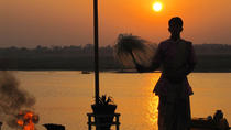 3-Hour Varanasi Morning Sunrise Boat Tour, バラナシ(ワーラーナシー)