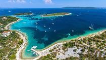 Blue Lagoon 3 IslandsTour with 3 menues Lunch,Wine,Jucies & Snorkeling Equipment, Split, Day Trips