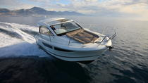 Rent a small yacht for up to 6 people in Saint-Tropez - License required, St-Tropez, Boat Rental