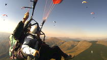 Tandem Paragliding Experience with Optional Transport from Rome, Rom