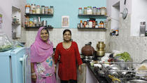 Private In-Home Dining Experience: Taste a Vegetarian Rajasthani Meal in a Local Udaipur Home, ...