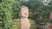 2-Day Private Tour: Leshan Giant Buddha and Giant Panda Breeding Research Base from Chengdu, 成都