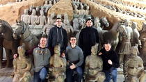 Private Xian Day Tour including round way flights from Shanghai: Terra-Cotta Warriors and Horses- ...
