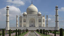 9-Day Monuments Tour from Agra to Bangalore: Taj Mahal, Golconda Fort and Mysore Palace by Air, Agra