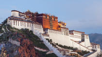Private Day Tour of Potala Palace and Jokhang Temple in Lhasa Including Lunch
