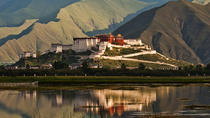 Private Day Tour of Potala Palace and Jokhang Temple in Lhasa Including Lunch, Lhasa, Day Trips