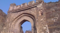 Private Tour: Ellora Caves, Daulatabad Fort, Bibi Ka Maqbara, Grishneshwar Jyotirling Temple and ...