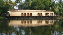 Private Tour: Kerala Deluxe Houseboat Backwater Tour from Alappuzha, Kochi