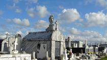 New Orleans Cemetery and Ghost Tour by Bus , New Orleans, Ghost & Vampire Tours