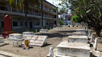 Half-Day Tuol Sleng Museum and Russian Market Tour in Phnom Penh, Phnom Penh, City Tours
