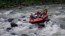 Private Raftingtour auf dem Fluss Progo und Borobudur-Tempelanlage, Yogyakarta, Private Sightseeing ...