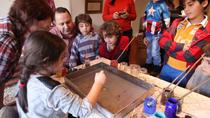 Art of Turkish 'Ebru' Marbling Workshop in Istanbul, Istanboel