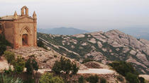 MONTSERRAT MÁGICA: GUIDED VISIT TO THE MONASTERY AND HIKING BY THE MOUNTAIN, Barcelona, Hiking &...
