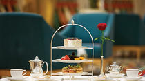 Afternoon Tea at Sahn Eddar Restaurant in Burj al Arab with private Transfers, ドバイ
