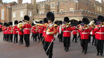 Changing of the Guard Guided Walking Tour in London, London, Custom Private Tours