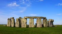 Private Tour: Stonehenge Tour from London in a Chauffeured Range Rover, London