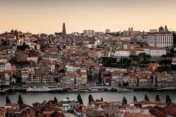 Excursão privada em Porto com degustação de vinho por Lisboa