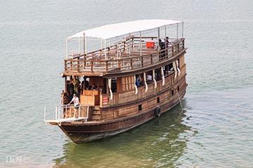 Halbtägige Bootsfahrt mit Mittagessen und Tour über Silk Island von...