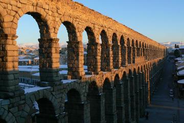 Segovia und Avila geführte Tagestour von Madrid