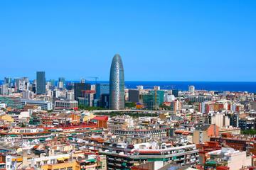 Tour panoramico di mezza giornata di Barcellona in autobus e a piedi