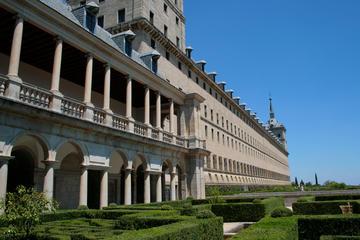 Valle de los Caídos y El Escorial desde Madrid con visita opcional a...