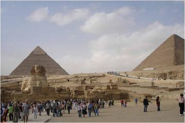 Excursión privada: Pirámides de Gizeh, Menfis y Saqqara con almuerzo