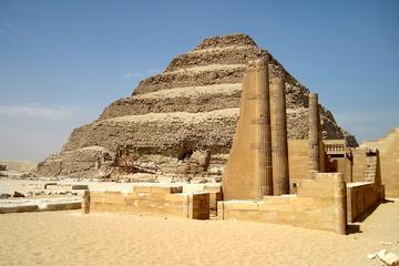 Tour giornaliero alla Cittadella di Saqqara a Menfi e alla Moschea di