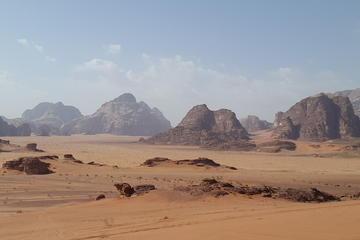 Private Full-Day 'Walk on Mars' Tour of Wadi Rum from Amman