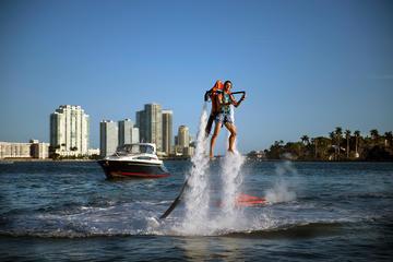 Transporte en barco deportivo a una...