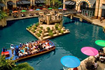 Paseo por el río San Antonio y excursión en autobús con paradas libres