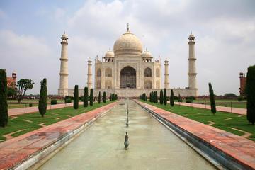 Private Sunrise Taj Mahal tour with Agra Fort